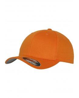 Orange Flexfit-keps med egen brodyr